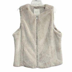 Maurices Faux Fur Warm Vest Off White XLarge